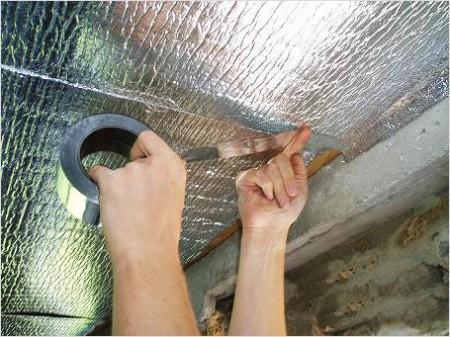 Утеплитель с фольгой эффективно удерживает тепло в бане