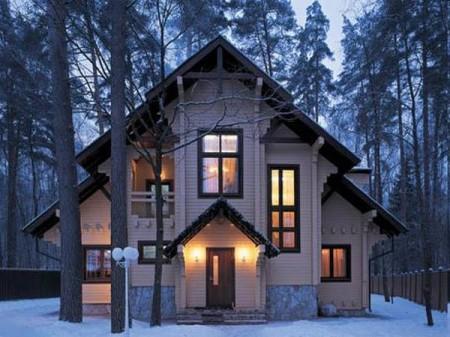 Зимой утепленная дверь сохраняет до 5% тепла в доме