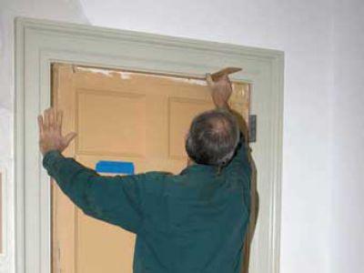 Утепление рамы и дверной коробки