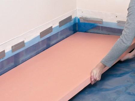 Пеноплэкс - усовершенствованный вспененный материал. Его листы всегда оранжевого цвета
