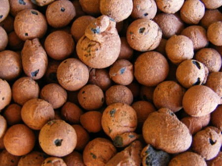 Керамзит - это выпеченные глиняные гранулы