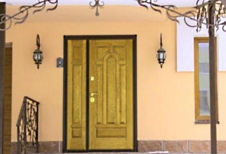 Утепленные двери сохраняют до 10% тепла в доме