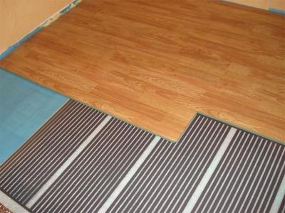 Пленочный пол по бетону - отличный способ утеплить пол