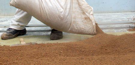 Используем керамзит для утепления полов и крыши